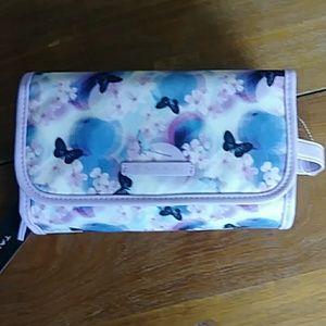 TAHARI Essentials Travel bag (Butterflies)